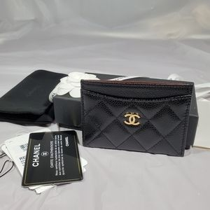 Brand new authentic chanel caviar card holder